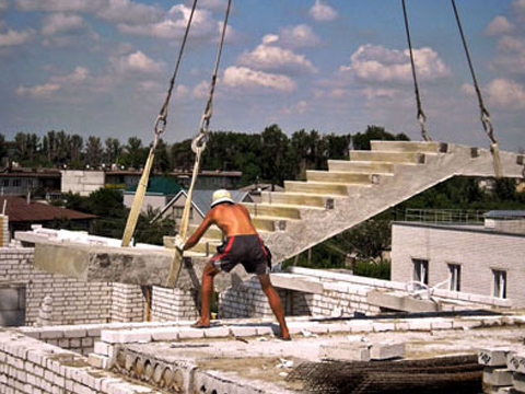 Монтаж лестниц автокраном в Миассе