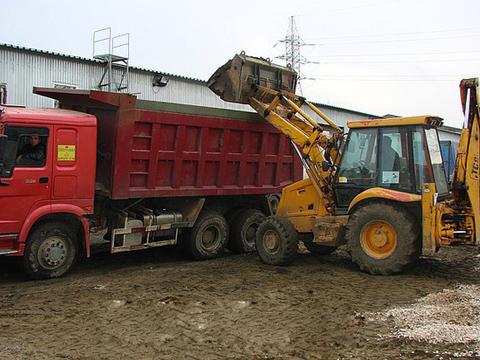 Услуги по вывозу и завозу грунта